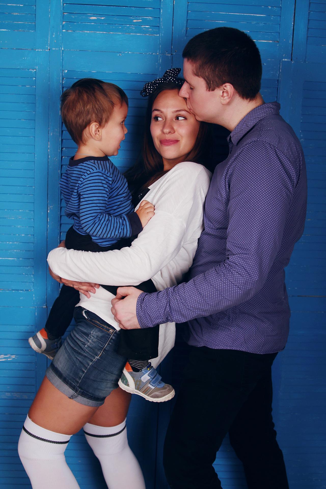 family-1404826_1920